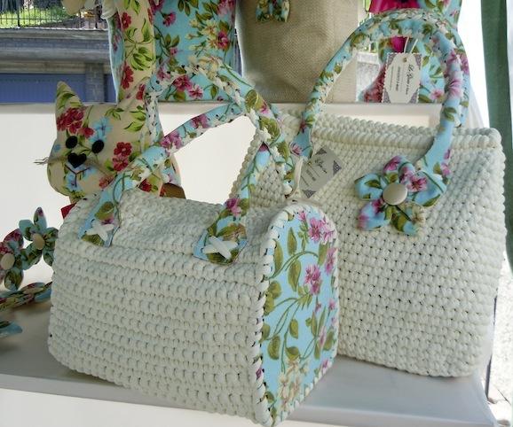 borse di fettuccia bianca con fondi floreali-1.jpg